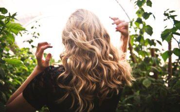 Organiczna pielęgnacja włosów. Jak zrobić to dobrze?